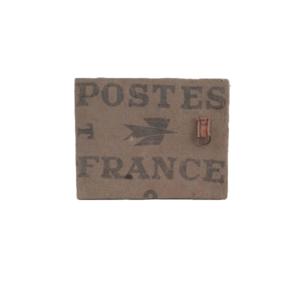 Memobord van oude Franse postzak